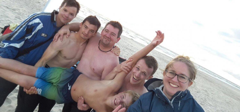 Gruppenbild vom Kitesurfen in Hvide Sande 2017